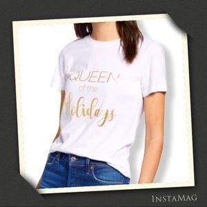 1901 QUEEN OF THE HOLIDAYS Short Sleeve T-Shirt